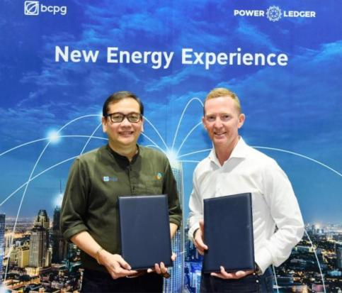Mr Bundit and Mr Martin signed an agreement with Power Ledger to jointly develop solar power and micro grid systems.